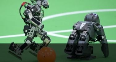 Роботите играят футбол... колкото могат