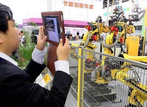 Китай е купил най-много промишлени роботи през 2013