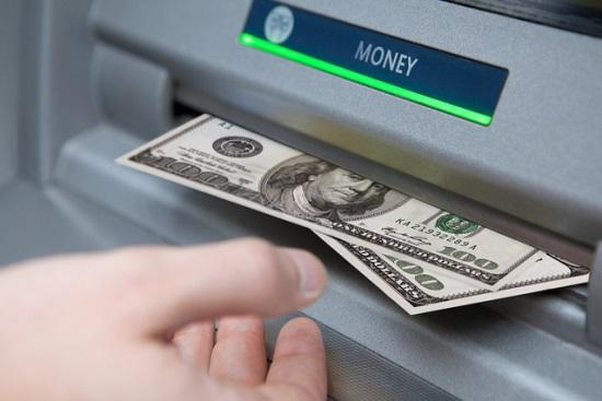 Източват милиони от ATM
