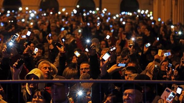 Унгарците протестират срещу проектозакон за данък върху Интернет потреблението