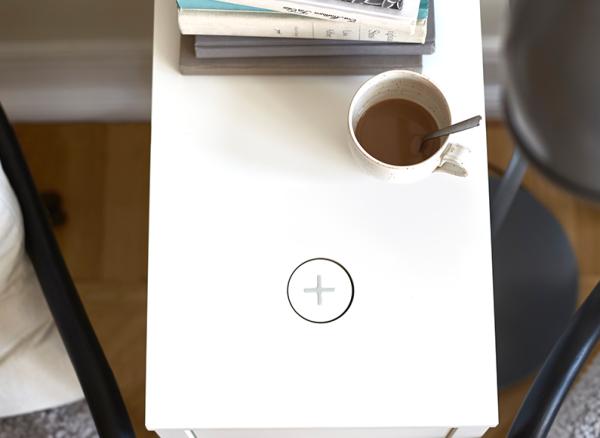 IKEA ще вгражда Qi зарядни за мобилни телефони в мебелите си